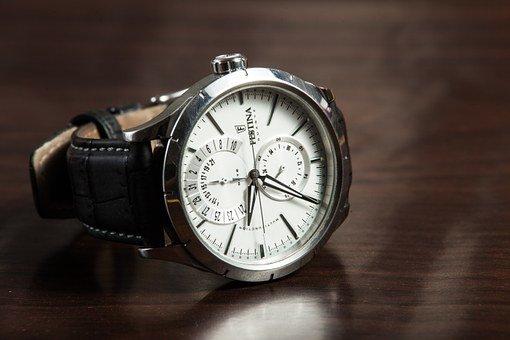 wristwatch 407096 340